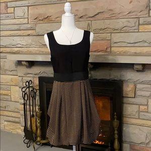 H&M black/tan sleeveless slouch dress size 10